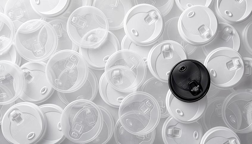 黑色 獨家專利 無毒 90口徑 加大飲口 高質感磨砂處理 防漏蒸氣孔 咖啡杯蓋 有掀蓋 就口蓋 免吸管 塑膠杯蓋 熱飲打包杯蓋 防漏 耐熱 耐高溫 凸蓋 扣式 上掀 可插吸管 推式 專用蓋 拿鐵 熱飲 就口喝 PP杯蓋