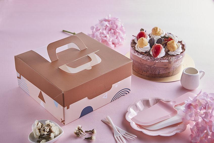 6吋開窗蛋糕提盒 摩卡幾何 手提蛋糕禮盒 開窗提盒  西點盒 蛋糕盒 紙盒 糕點盒 精緻茶點 西點 烘焙包裝 六吋 20cm*20cm*9cm 禮物盒 蛋糕禮盒 手提蛋糕禮盒